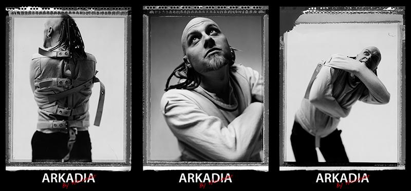 Fotoserie på Arkadia i tvångströja. Foto: Per Helander