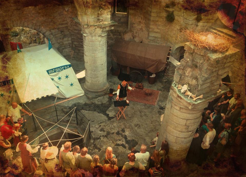 Hålet i taket på Helge Ands ruin