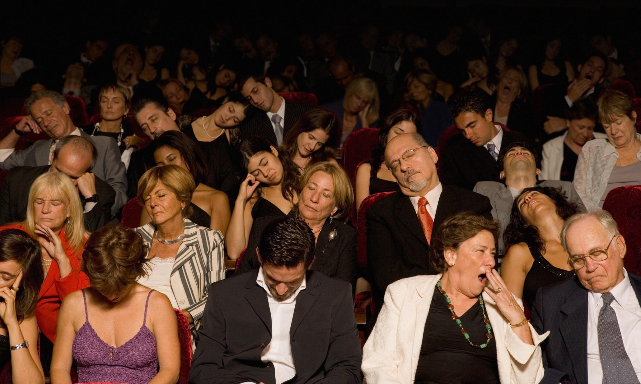 Folk som somnat på teatern